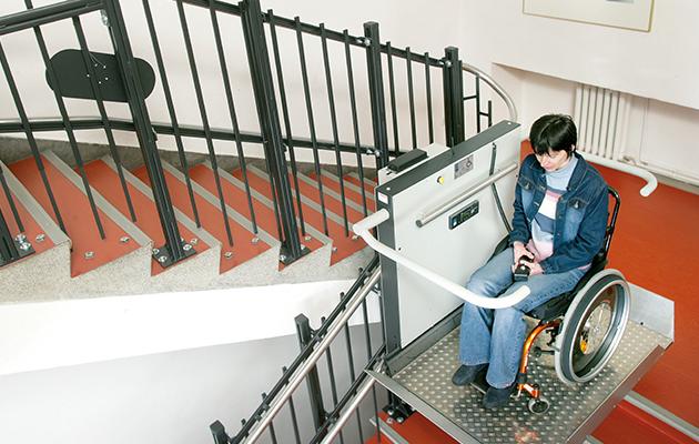 escadaf cil acessibilidade para pessoas e carga aos. Black Bedroom Furniture Sets. Home Design Ideas